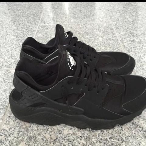 2 mal Seite - (Sex, Schuhe, Nike)