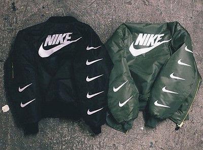 Könnte eine Schneiderei mir Nike-Zeichen auf meine Jacke nähen wie in diesem Bild?