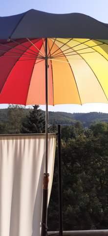 Regenschirm Bei Gewitter