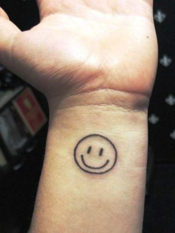 Könnte jeder Tattoowierer unabhängig vom Stil dieses Tattoo stechen und wie viel würde es wohl kosten?