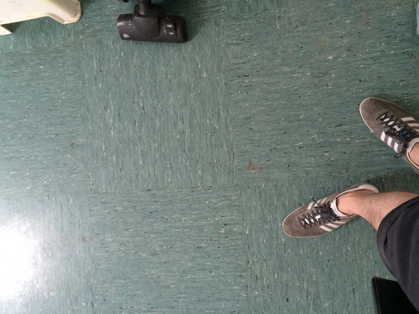 Fußbodenplatten Asbest ~ Könnten diese bodenplatten asbest enthalten? bodenbelag