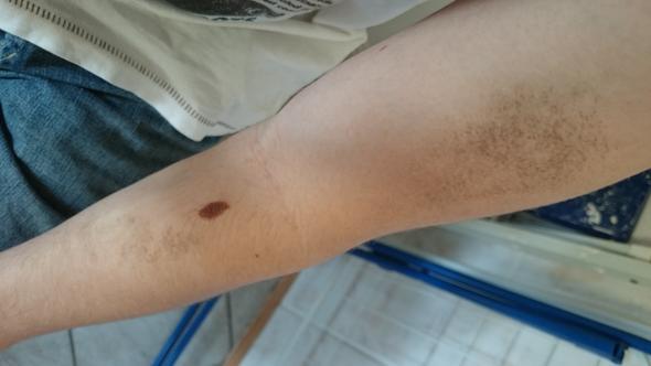 Welchen Ton des Puders für die Haut mit den Sommersprossen von der Firma ewa zu wählen