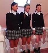 Das als Schuluniform für den Frühling (mit längeren rock) - (Schule, Frauen, Glaube)