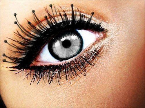 kontaktlinsen in dieser farbe k nnt ihr mir helfen. Black Bedroom Furniture Sets. Home Design Ideas