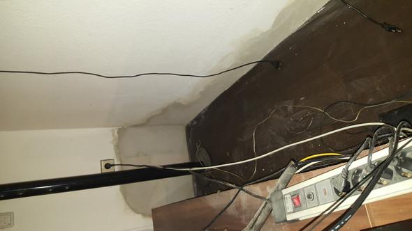 Wand Ecke hinter Sideboard - (Wohnung, Mietrecht, Miete)
