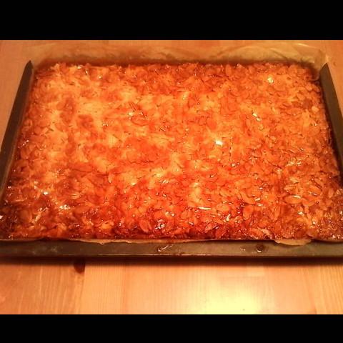 Bienenstich  - (backen, Kuchen, Torte)