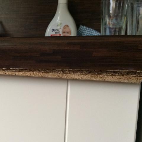 Kante Küchenplatte Vorderseite quillt auf.  - (Küche, Holz, schreiner)