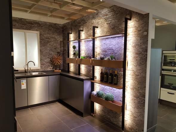 Küchenregal bauen, wie heißt diese Stange?