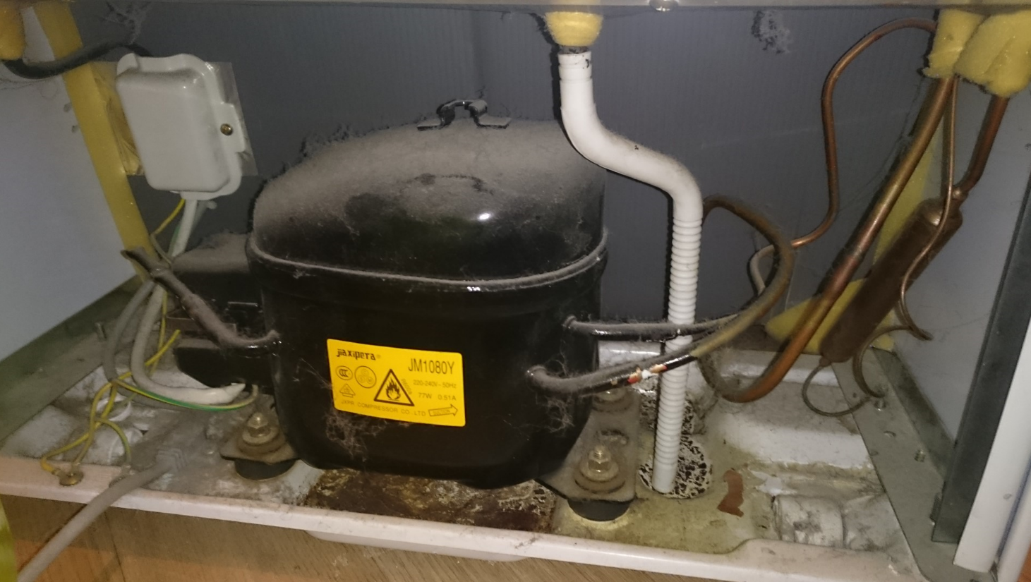 Gorenje Kühlschrank Wasser : Kühl gefrier kombi immer eis und wasser im kühlschrank