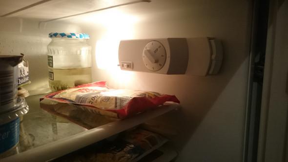 Bosch Kühlschrank Wird Heiß : Kühlschrank bauknecht rückwand ist warm?