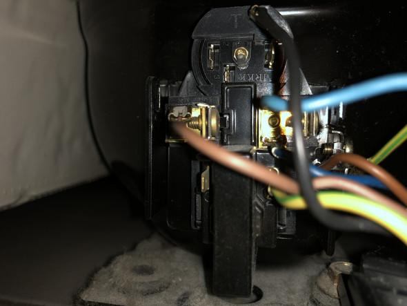 Kühlschrank kompressor anschließen?