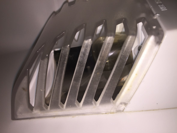 Gorenje Kühlschrank Defekt : Kühlschrank lampe wechseln gehäuse geht nicht ab? computer