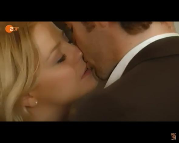 Bild 2 - (Liebe, Film, Küssen)