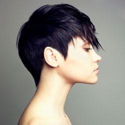 Kurze Haare bei Frau? (attraktiv)