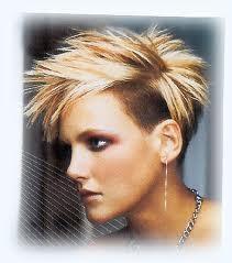 Vier  - (Haare, Frisur)