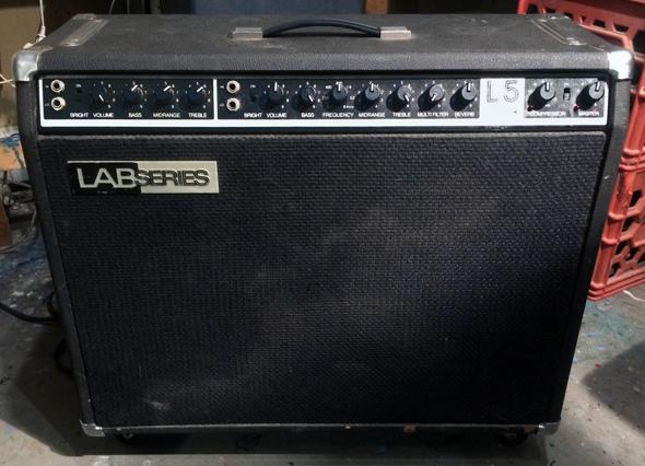 Lab Series l5 wo E-Gitarre anstecken?