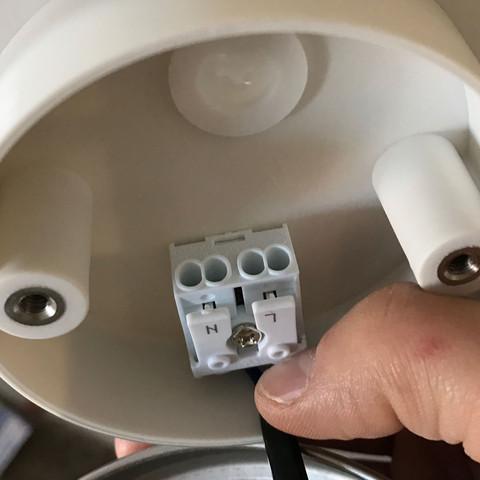 Lampe geht nicht mehr aus? (Fragen, Licht, Anschluss)