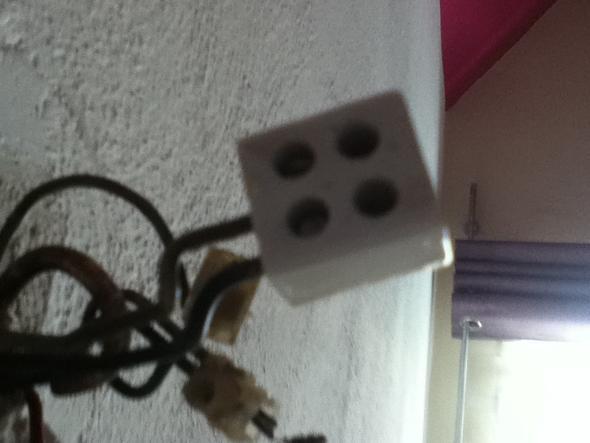 Anschluss an der Decke - (Elektrik, Lampe, Anschlüsse)