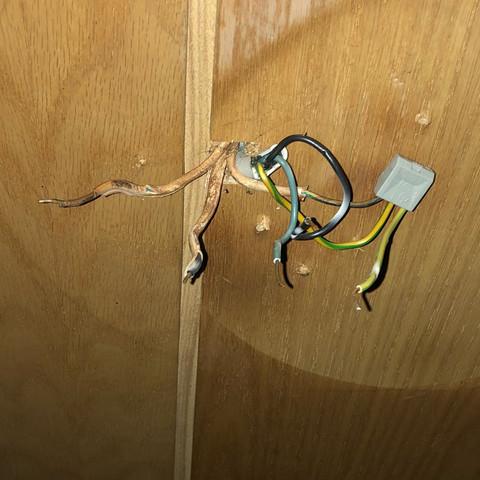 lampe mit nur 2 kabeln anschlie en elektronik strom. Black Bedroom Furniture Sets. Home Design Ideas