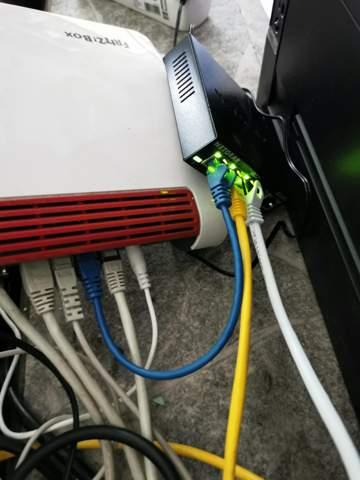 Lan Kabel von Fritz Box vergelegt zu Repeater, welcher das Signal nicht ausstrahlt. Was hab ich falsch gemacht?
