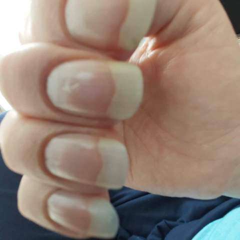 Fingernagel mann lange Fingernägel und