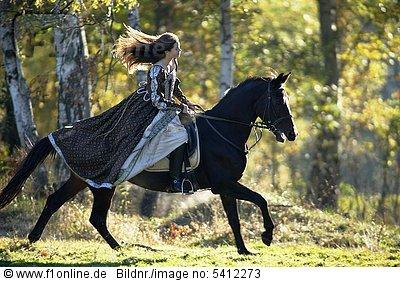 kleider zum reiten