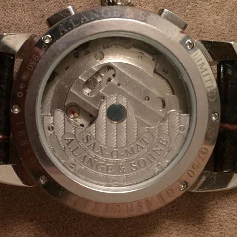 Hier sieht man die Uhr von hinten - (Uhr, Fälschungen, langesöhne)