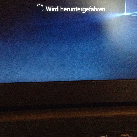 Das ist die ganze Zeit  - (Windows 10, friert ein)