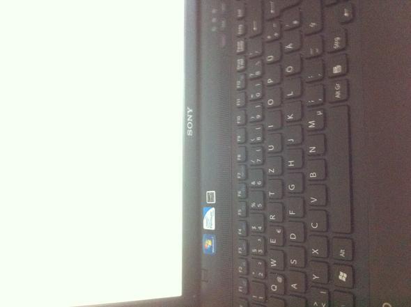 Hier der Laptop - (Computer, Sony, Display)