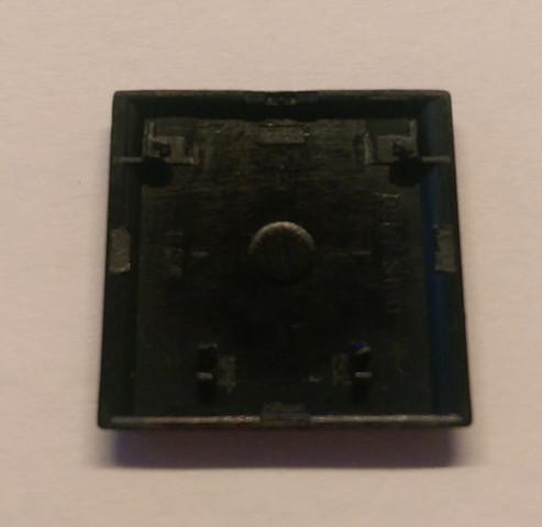 Rückseite der Taste (horizontal umgedreht) - (Tastatur, Taste, taste-einbauen)
