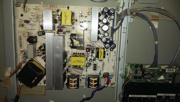 LCD TV defekt LG 32LC41 Elko Problem! Wer kann helfen?