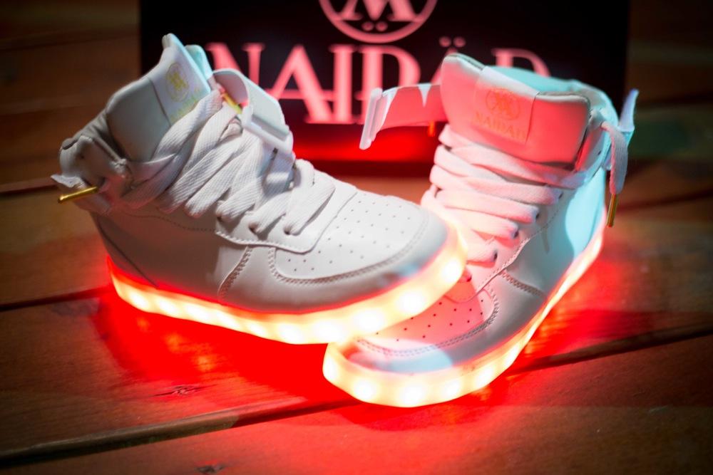 the latest e99a4 7f734 LED Schuhe gesucht (eBay, Light)