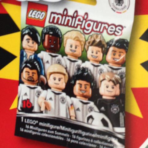"""Lego DFB """"Die Mannschaft"""" Minifigures - (Fußball, Deutschland, Lego)"""