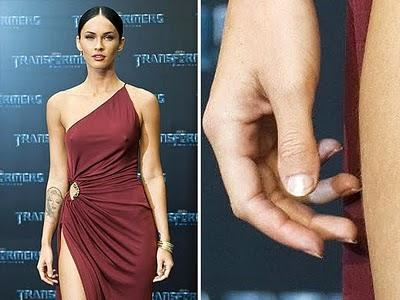 Megan Fox hat genau so Daumen wie ich,aber meine Nägel muss ich wachsen lassen^^ - (Gesundheit, Hand, Daumen)