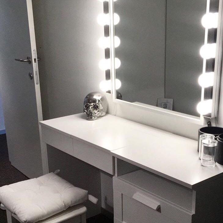 licht am spiegel von wo kann man sowas kaufen m bel. Black Bedroom Furniture Sets. Home Design Ideas
