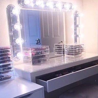 licht am spiegel von wo kann man sowas kaufen m bel zimmer schreibtisch. Black Bedroom Furniture Sets. Home Design Ideas