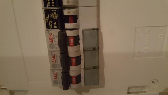 Red Bull Kühlschrank Licht : Licht geht nicht mehr aus #hilfe? technik haus strom