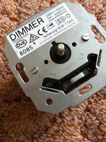 lichtschalter durch dimmer ersetzen komische schaltung. Black Bedroom Furniture Sets. Home Design Ideas