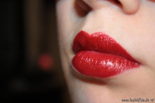 knallrote Lippen - (Schule, Beauty, Party)