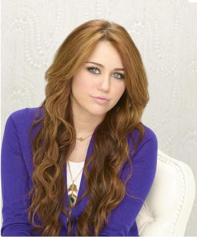 locken wie miley cyrus haare frisur friseur. Black Bedroom Furniture Sets. Home Design Ideas