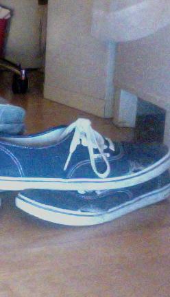 Vans mit Löchern - (Mode, Schuhe, Vans)