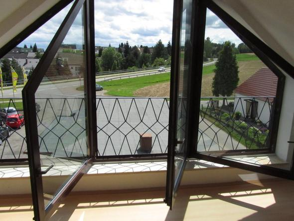 mit geöffneten Fenstern - (Kinder, Wohnung, Baby)