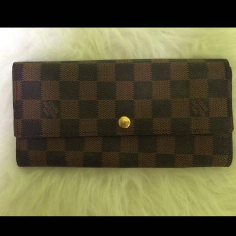 5fc4cce89ee14 Louis Vuitton Sarah Geldbörse (Fake