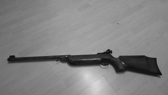 Kann mir jemand mehr informationen zum gewehr geben wie zb name - (Luftgewehr, Luftgewer restaurieren, Whalter lgv)