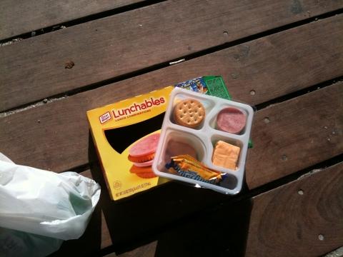 lunchables in deutschland kaufen essen lecker. Black Bedroom Furniture Sets. Home Design Ideas
