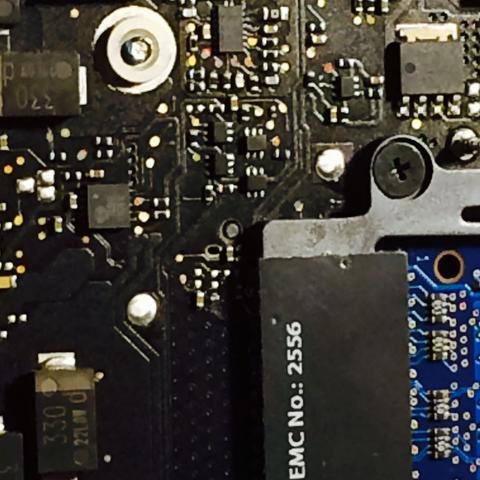 oberer Kontakt fehlt - (Apple, Hardware, Elektronik)
