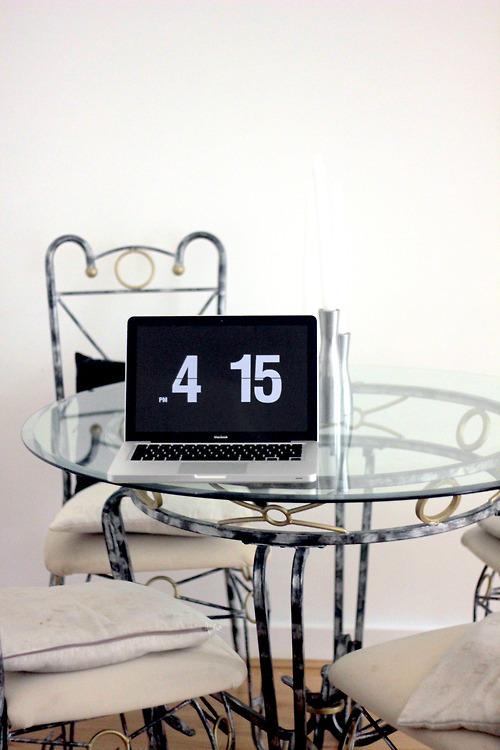 macbook wie bekomme ich die uhrzeit ganz gro auf den bildschirm computer apple os x. Black Bedroom Furniture Sets. Home Design Ideas