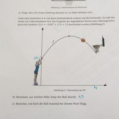 Hilfe !! - (Mathe, quadratischefunktion)