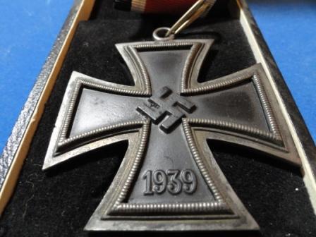 medallie kreuz aus dem 2 weltkrieg wie viel wert geschichte meinung verkauf. Black Bedroom Furniture Sets. Home Design Ideas