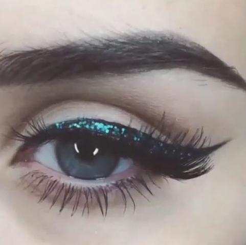 Welche Mascara benutzen um so ein Effekt zu bekommen? - (Beauty, Augen, Augenbrauen)